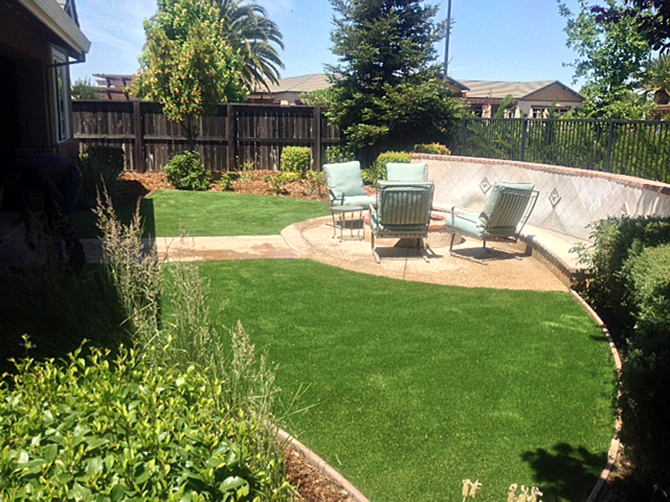 Fake Lawn Calimesa California Design